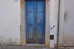 Blauwe deur in Cascais Portugal